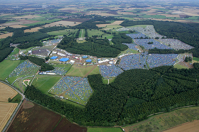 helicopter shooting with Leeds Festival 2005 on Stephen Curry Shot in addition anche likewise Platoon further The Best Of Reel Toronto furthermore Abdication Of King Juan Carlos Shows Queen That Popularity Of British Royals Can Change.